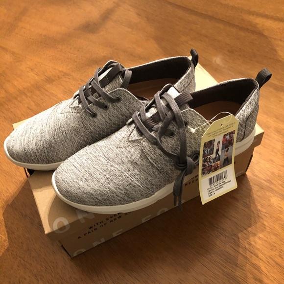 420c0bb981f NIB TOMS Grey Diamond Melange Del Rey Sneakers - 9